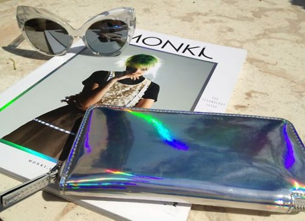 bag tumblr tumblr wolf-raw-r wallet pretty love cute sunnies sunglasses iridescent holographic marc jacobs