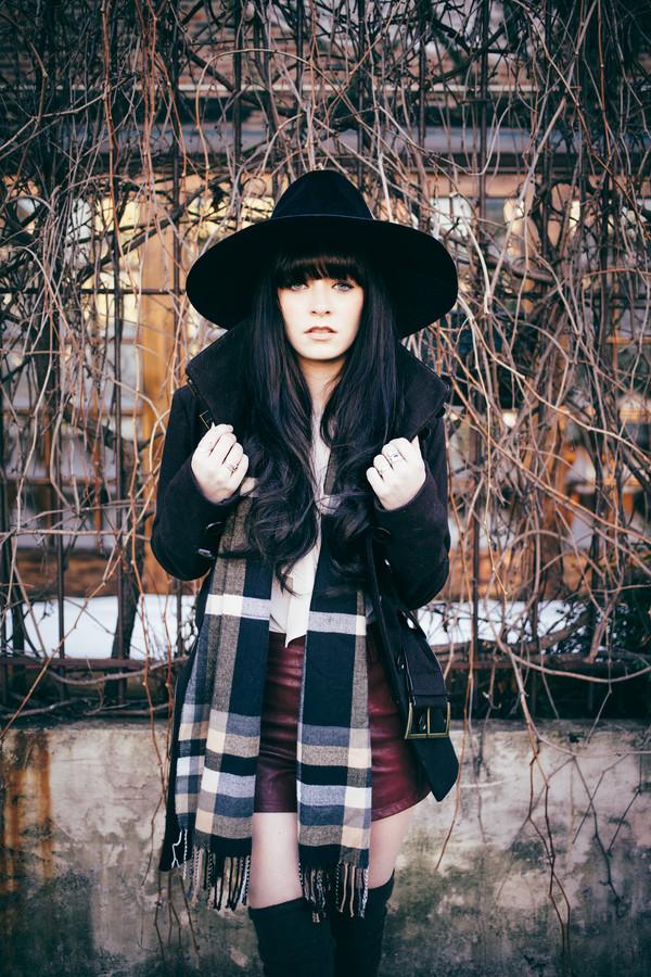 jag lever shoes scarf jacket blouse hat