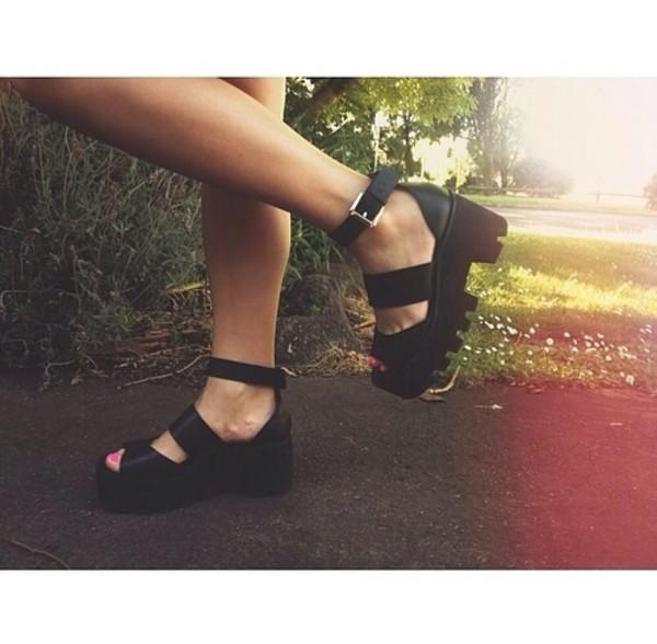 shoes grunge soft grunge pale tumblr sandals plateau platform shoes black weheartit