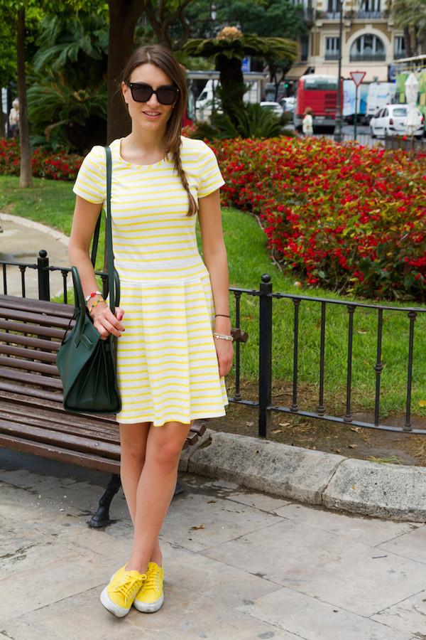 style and trouble shoes bag sunglasses petit bateau dress