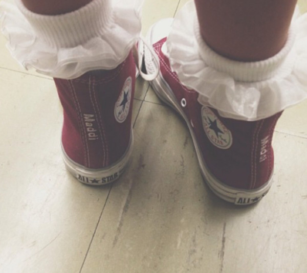 shoes high top converse converse red socks