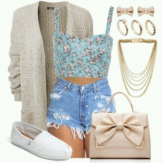 top cardigan shoes bag jewelery crop tops blue crop top blue floral floral print top floral top shirt cute cute crop top cute shirt cute shirts blue shirt cute blue shirt blue floral blue floral print floral shirt toms white toms cream cardigan cream white purse bags and purses white purse white bag bow bow purse bow bag gold girly shorts clothea blouse tan with a bow