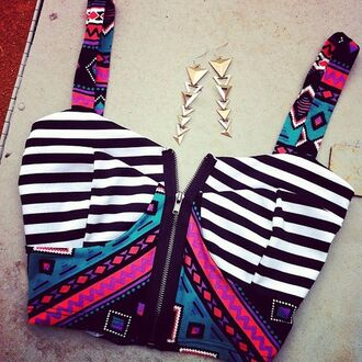 shirt zip bustier jewels big pattern tank top clothes t-shirt bralette aztec blouse crop tops top hipster tumblr tribal pattern tribal tank top aztec tank underwear bustier crop top stripes striped top black white black and white black and white stripes colorful striped crop top pink straps zip up top earrings gold earrings triangle earrings triangles pretty gorgeous