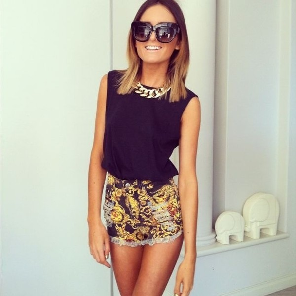 jewels or gold necklace gold necklace jewerly gold jewelry shorts shirt tank top sunglasses pants black High waisted shorts baroque ripped shorts blouse black and gold