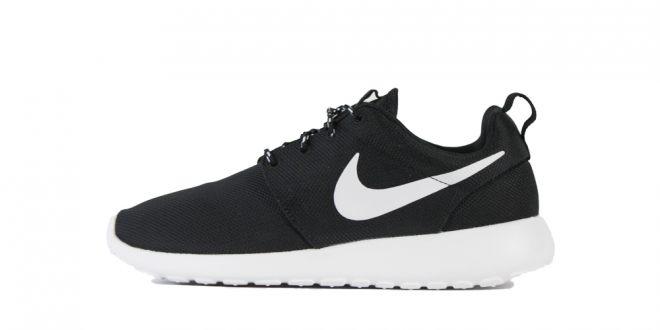 Nike Wmns Roshe Run-Black-White-stickabush.com/STAB Berlin