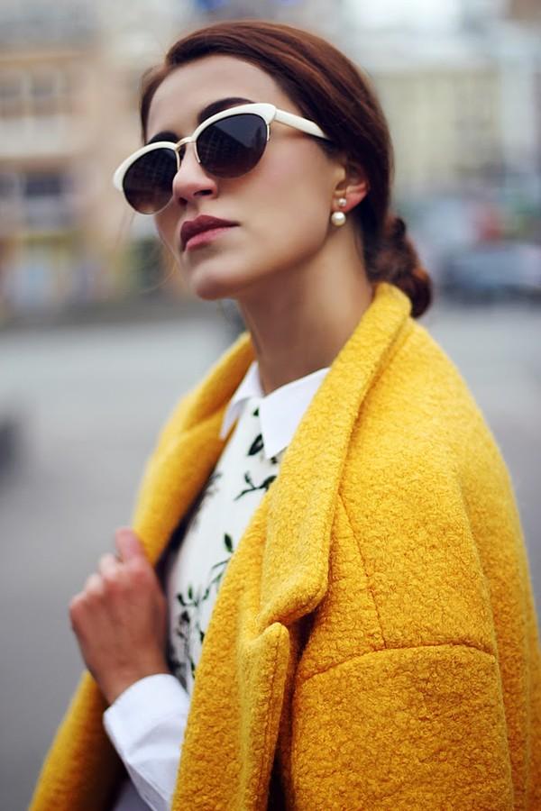 tina sizonova coat shoes dress jewels jewelry earrings pearl pearl earrings