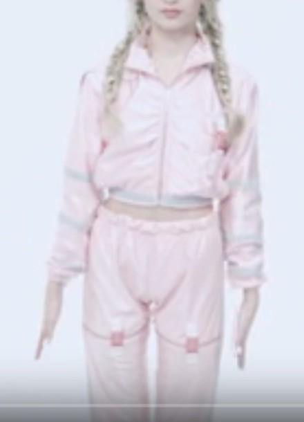 jumpsuit that poppy pink pinkjumpsuit celebrity celebritystyle clothes jacket pants braid youtuber poppy blond