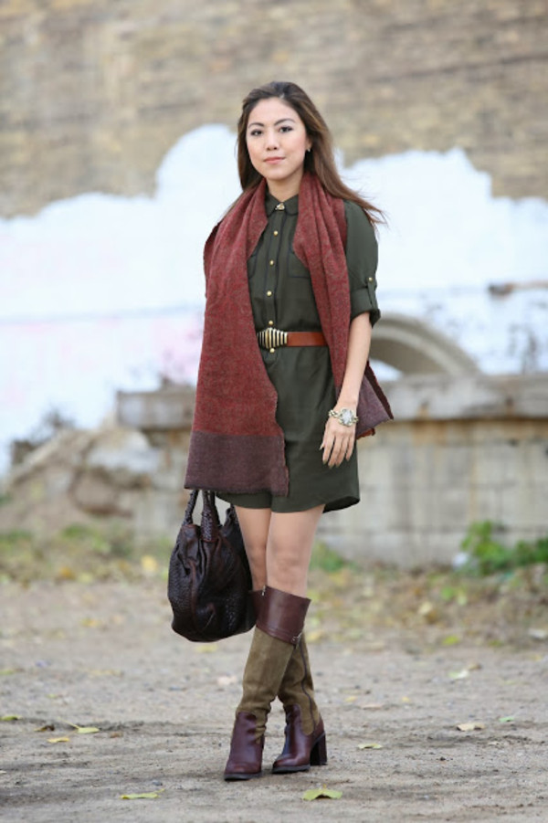 wearing fashion fluently dress shoes bag scarf jewels