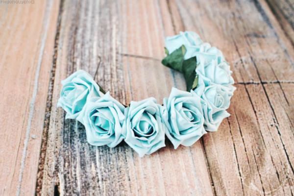 jewels girly weheartit flowers flower crown sassy nice lana del rey green vintage rose roses flowers crown head wood floor