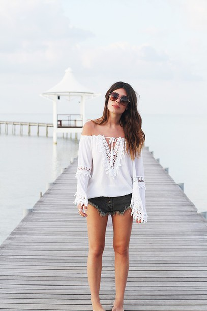 dulceida blogger blouse shorts sunglasses