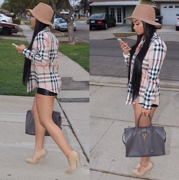 blouse hat shorts shoes t-shirt