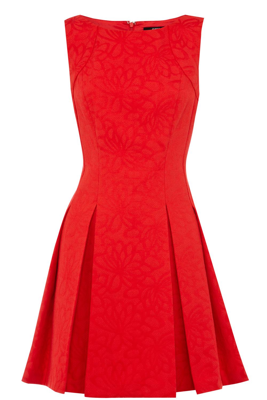 USA Dresses   Red Daisy Jacquard Skater Dress    Oasis