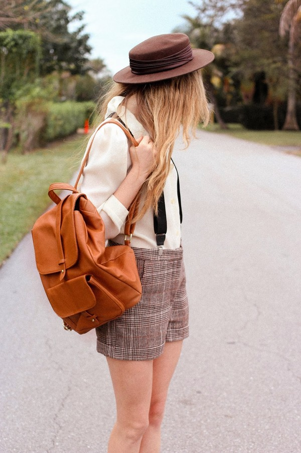 steffy's pros and cons blouse hat shorts shoes