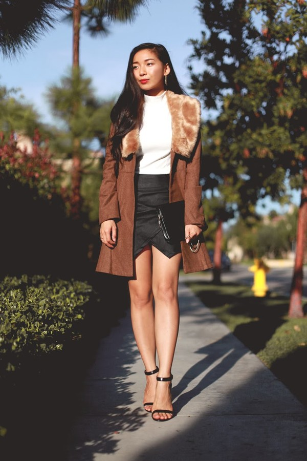 honey and silk coat t-shirt skirt shoes