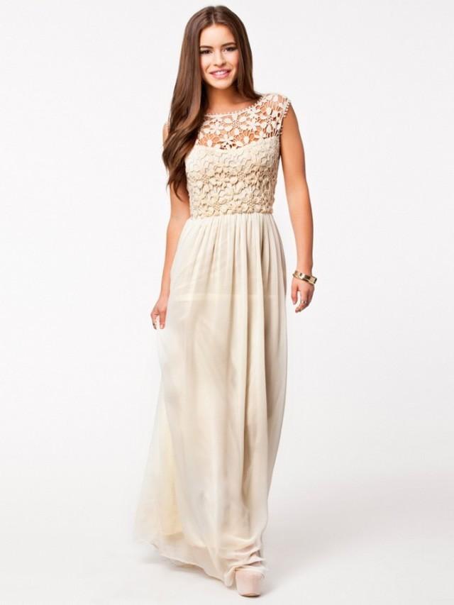 White chiffon maxi dress with lace