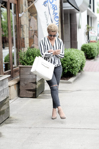 fashionably lo blogger bag blouse grey jeans striped top long sleeves button up white bag ripped jeans grey heels
