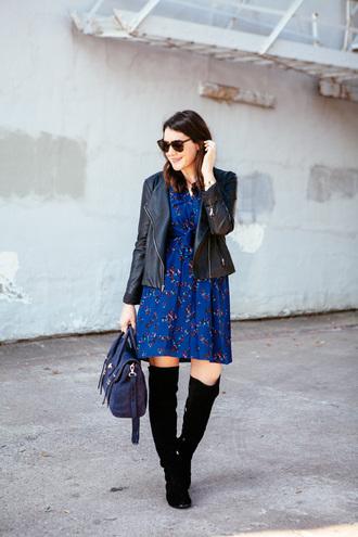 kendi everyday blogger blue dress printed dress suede boots black boots black leather jacket satchel bag