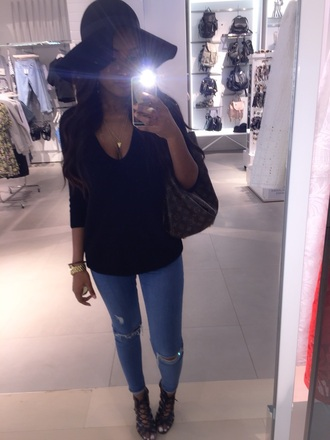 hat black dress skinny pants jeans destroyed skinny jeans sun hat strappy heels black heels top cute top high heels black high heels jewels floppy hat