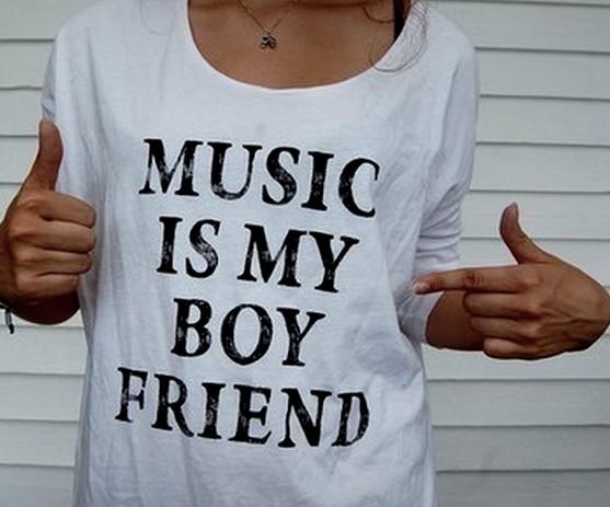 t-shirt Music is my boyfriend(COLLO TAGLIATO) - T-SHIRT CELEBRITY - T-shirt con stampe a 29 euro -  - MODA | T-SHIRT | D-IOR | STAMPE CHANNEL | MODA | shirt  | euro | stampe