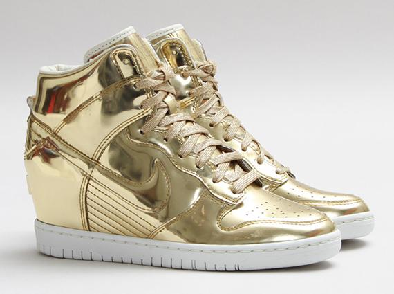 """Nike WMNS Dunk Sky Hi """"Liquid Gold"""" - SneakerNews.com"""