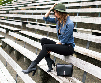 styling my life blogger shirt jeans hat shoes bag jewels