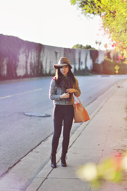 fresh fizzle blogger scarf hat grey sweater leather bag sweater shoes bag jewels