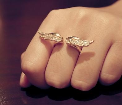Angel Wings Ring - Juicy Wardrobe