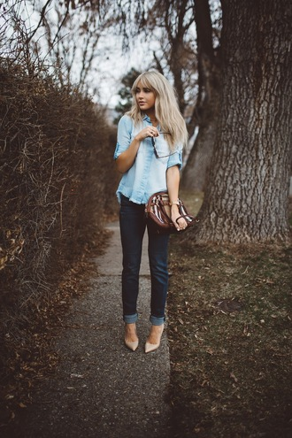 cara loren blogger top jeans shoes bag sunglasses denim shirt high heel pumps shoulder bag