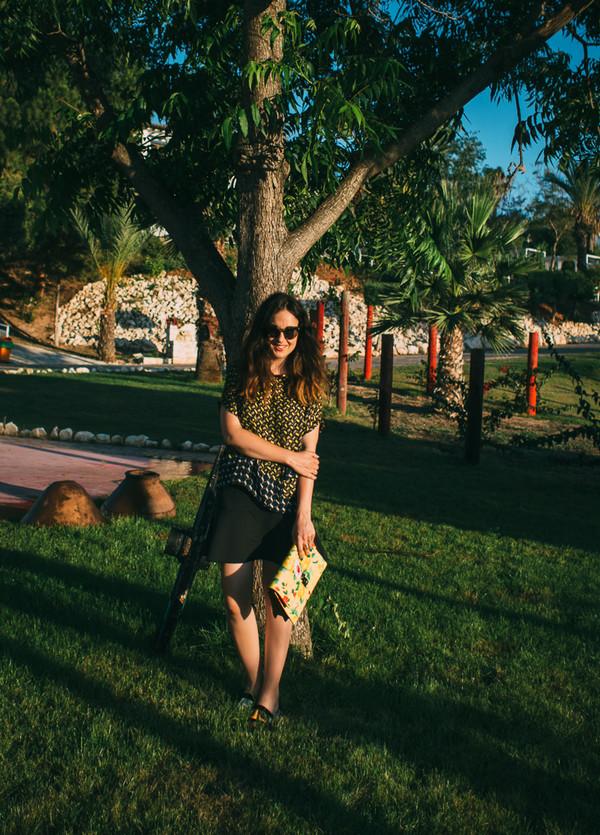 mademoiselle robot skirt blouse bag sunglasses
