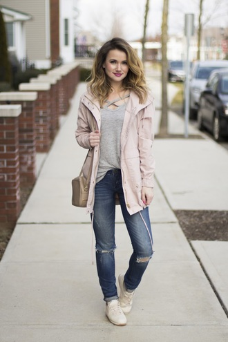 kiss me darling blogger jacket t-shirt jeans shoes sunglasses make-up sneakers pink jacket