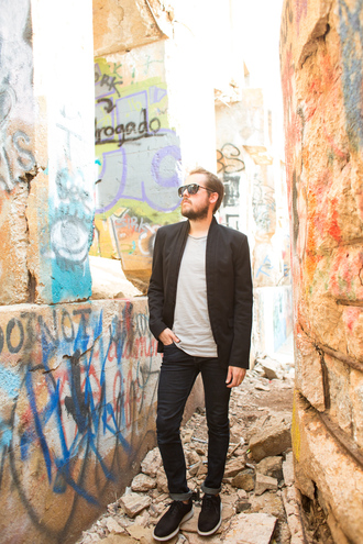 kelsey bang blogger jacket tank top jeans sunglasses make-up shoes shirt