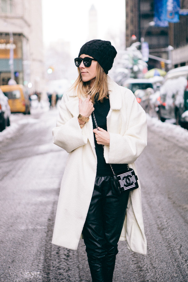 damsel in dior sweater shoes coat jewels bag