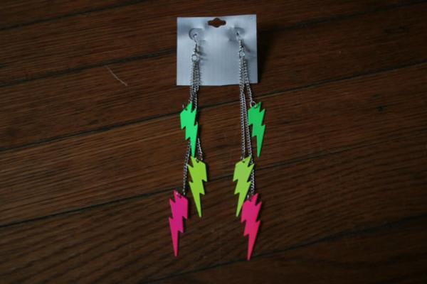 jewels 90s style earrings