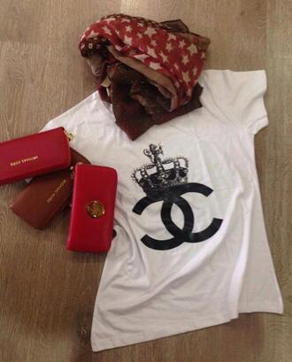 t-shirt chanel t-shirt chanel shirt white t-shirt crown white wallet leather wallet scarf stars casual chanel inspired red red wallet black and white black and white blouse white and black tshirt jewels casual chic weheartit printed top michael kors tory burch