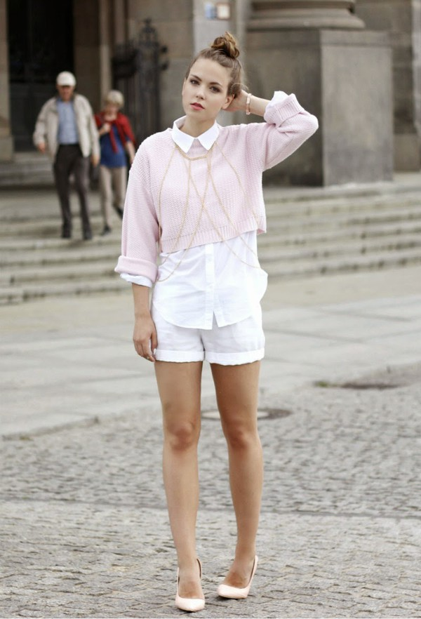 gold schnee sweater blouse shorts jewels shoes