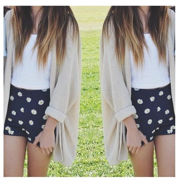 shorts blue flowers daisy's High waisted shorts high waisted sweater