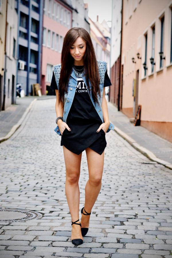 flirting with fashion jacket shirt shorts shoes jewels