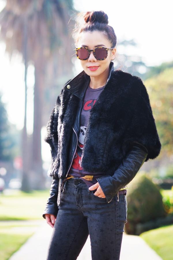 hallie daily t-shirt jeans shoes jacket sunglasses