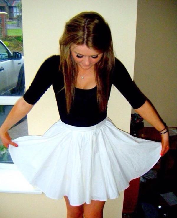 skirt black shirt