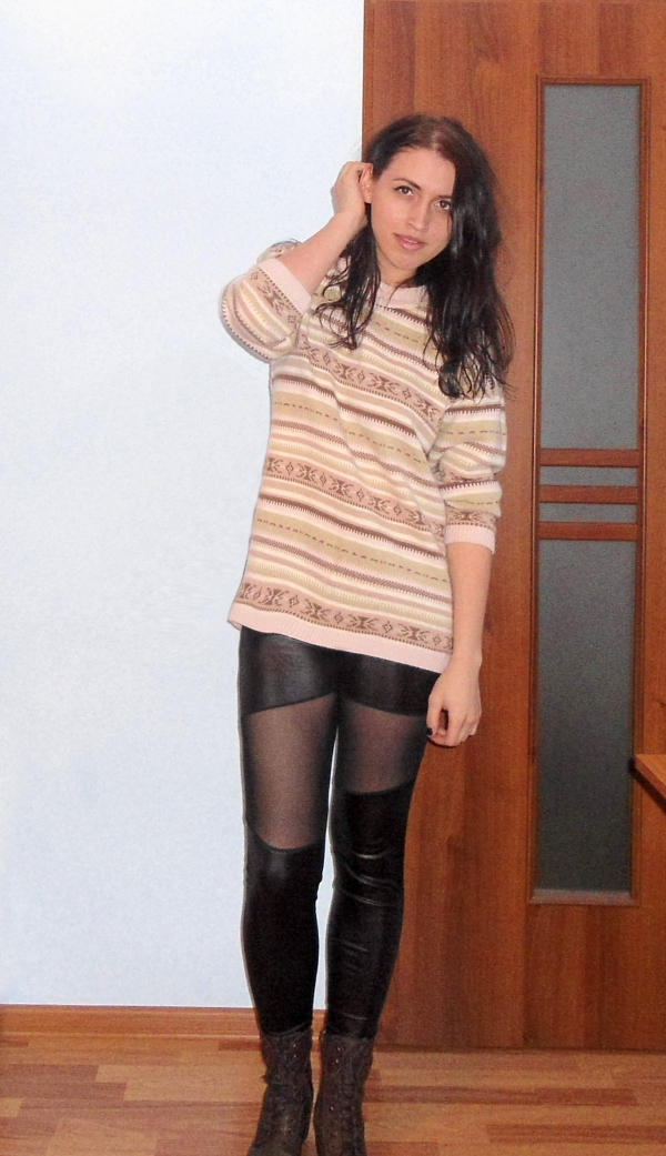 Distinctive Asymmetric Splicing Skinny Leggings - OASAP.com