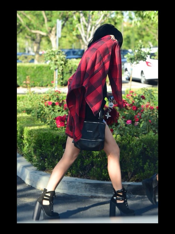 bag kylie jenner black summer blouse shoes