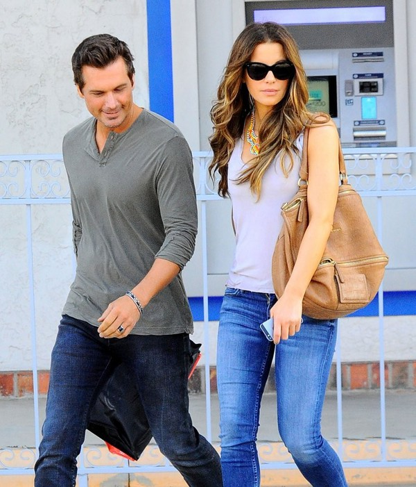 bag kate beckinsale sunglasses jeans shoes