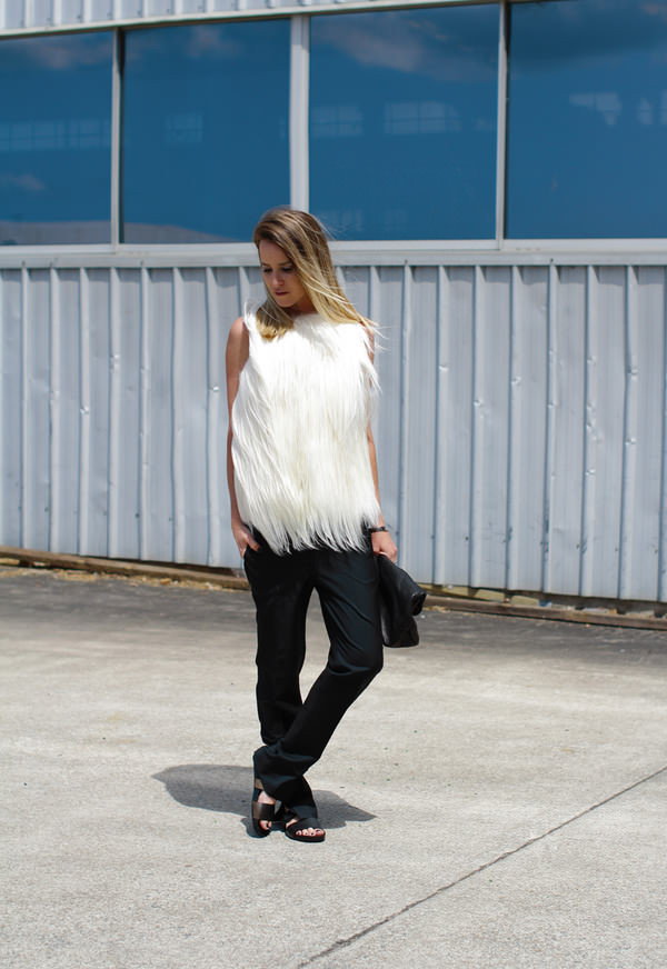 oracle fox t-shirt pants bag shoes jewels