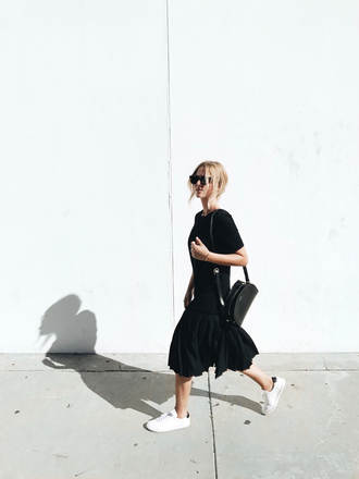 mija blogger dress bag jewels midi dress black midi dress sneakers shoulder bag