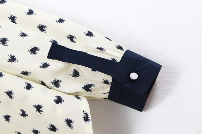 White Contrast Collar Heart Print Long Sleeve Blouse - Sheinside.com