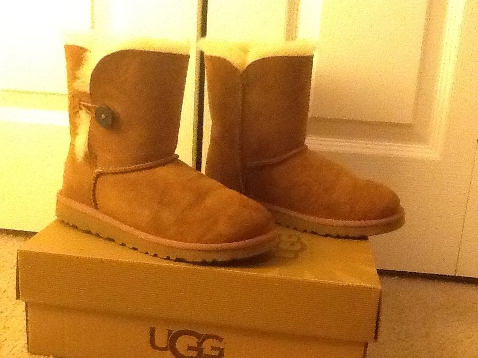 UGG Australia Bailey Button Women's Boots 5 | eBay