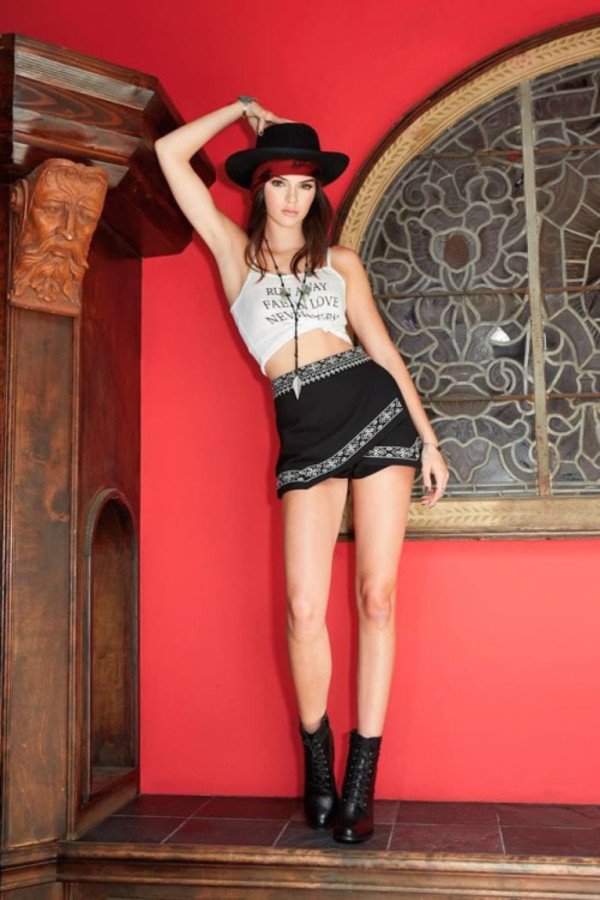 shorts top hat kendall jenner ankle boots tie-front top