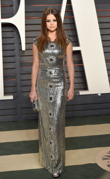 Resultado de imagem para selena gomez metallic dress