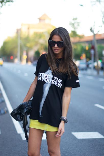 fashion vibe shoes skirt t-shirt bag sunglasses