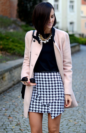 Wrap skirt in houndstooth - FrontRowShop